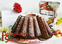 http://fascynacjasmakiem.blogspot.com/2013/04/babka-orzechowa-czyli-pomys-na.html