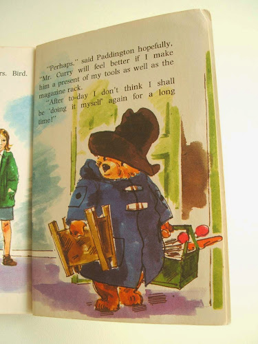 vintage paddington does it himself children's book illustrated by Barry Wilkinson 1970s