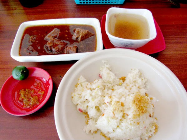 Beef Pares: how the dish is served