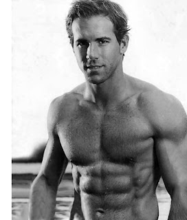 Ryan Reynolds Birthdate on Top Hollywood Celebrities  Ryan Reynolds Biography And Pictures Images
