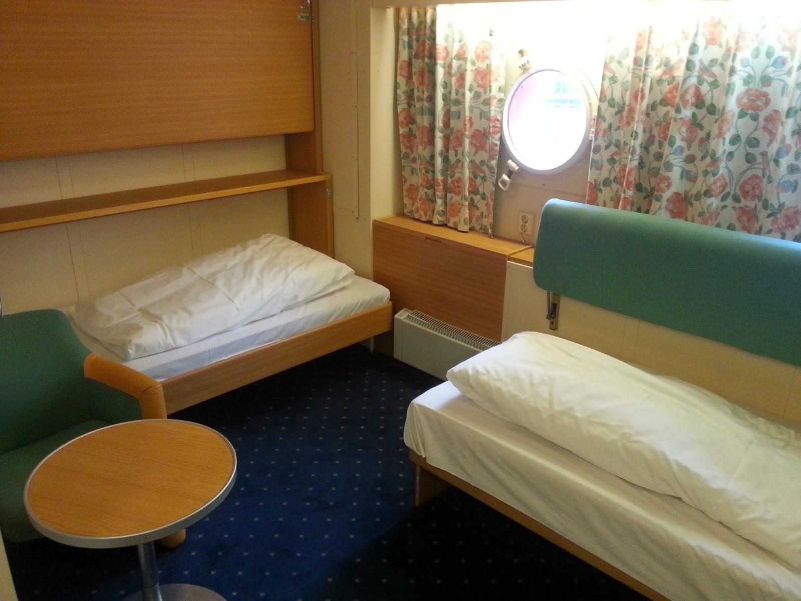 Hurtigruten MS Vesterålen - Larger Standard Cabin