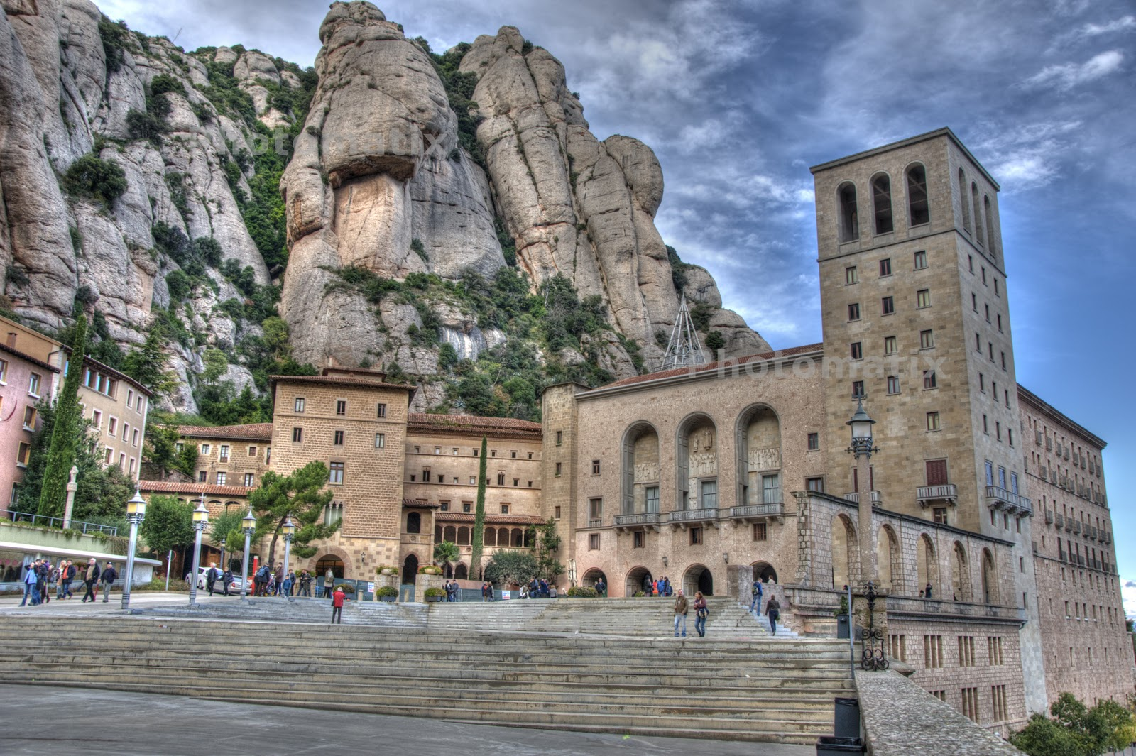 The Mysterious Montserrat Mountain of Spain Clubmesamics-montserrat