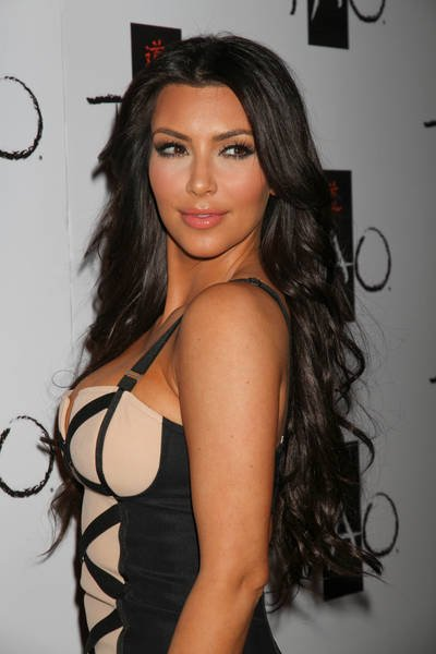 All About Of Actress Popular In The World Kim Kardashian 2010