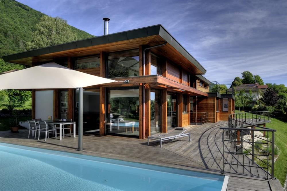 Ossature bois terrasse et piscine for Maison contemporaine bois