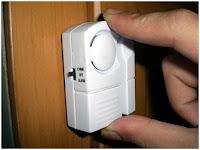 Alarm pintu  anti maling