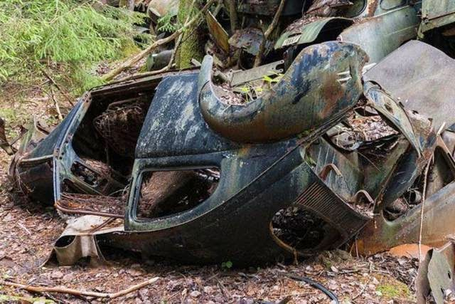 Swedish Car 'Graveyard' Has 1,000 Abandoned Vehicles