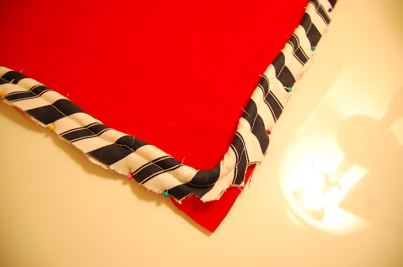 How to make a pillow with piping