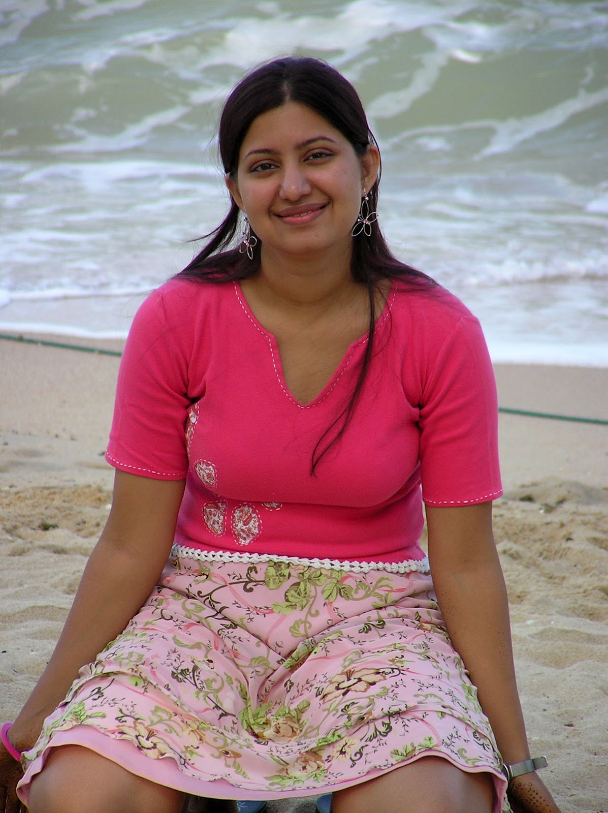 DESI CUTE AND FRESH GIRL: desi exbii girl