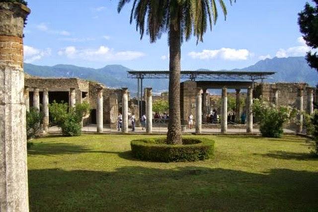 40. Pompeii (Italy)