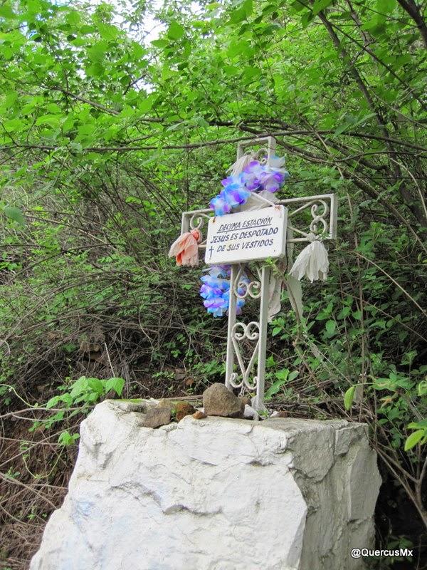 Decima estación del Viacrucis en la Sierra el Travesaño, Ajijic, Jalisco