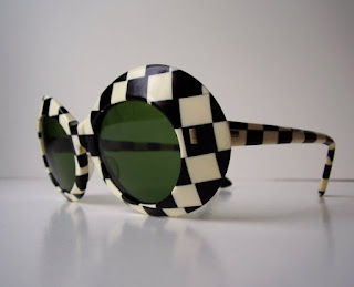 Óculos Vintage em preto e branco