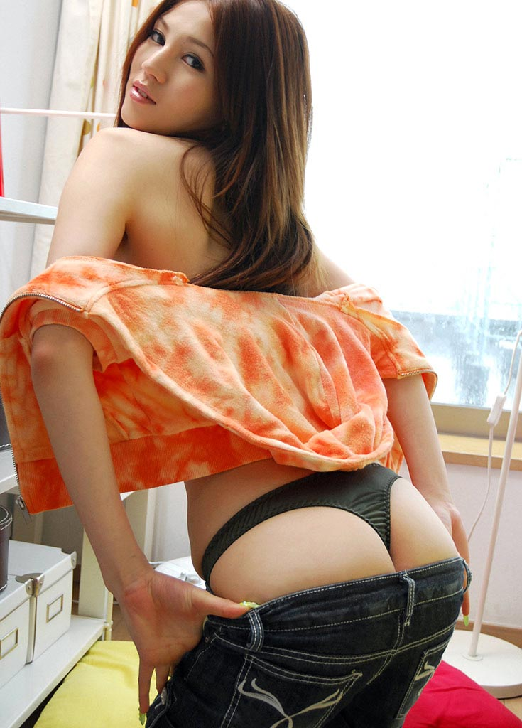 ameri ichinose sexy ass photo
