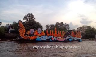 การตกแต่งไฟบนเรือ แม่น้ำเจ้าพระยาที่กรุงเทพ