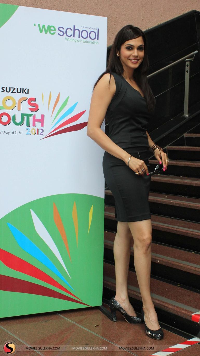 Isha koppikar at maruti suzuki colors of youth