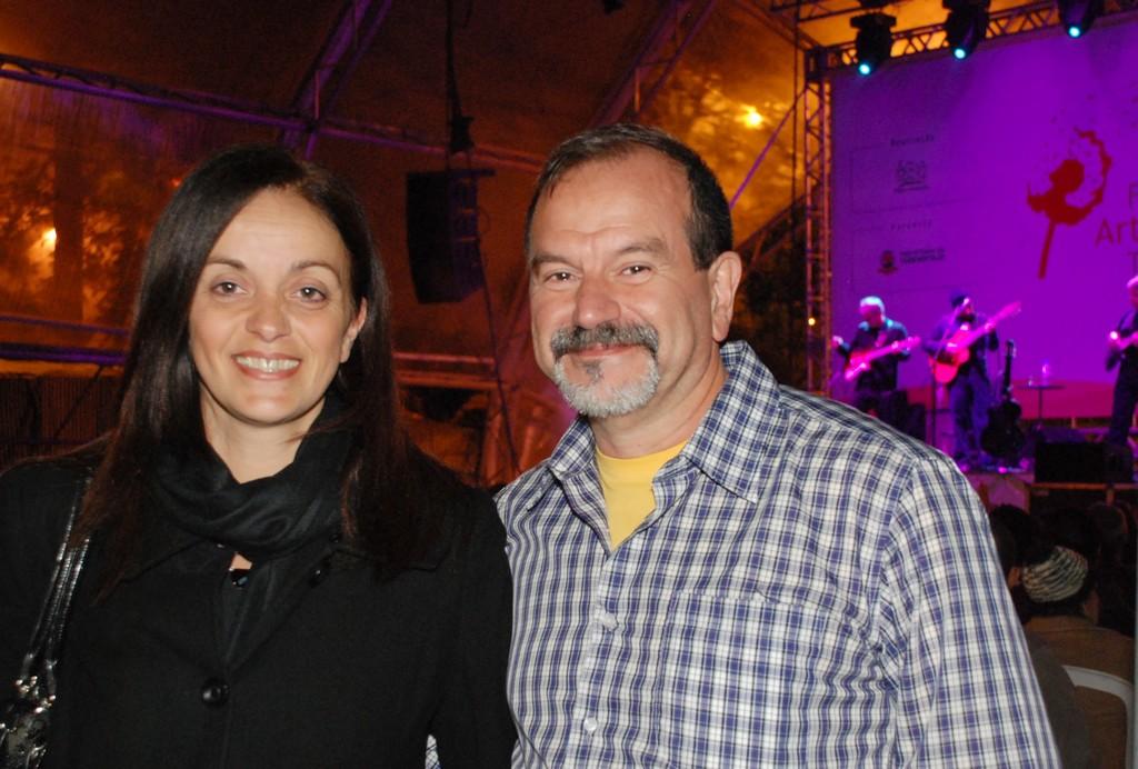 Rosane Rodrigues Costa e José Roberto Bittencourt Costa: programação com artistas de expressão