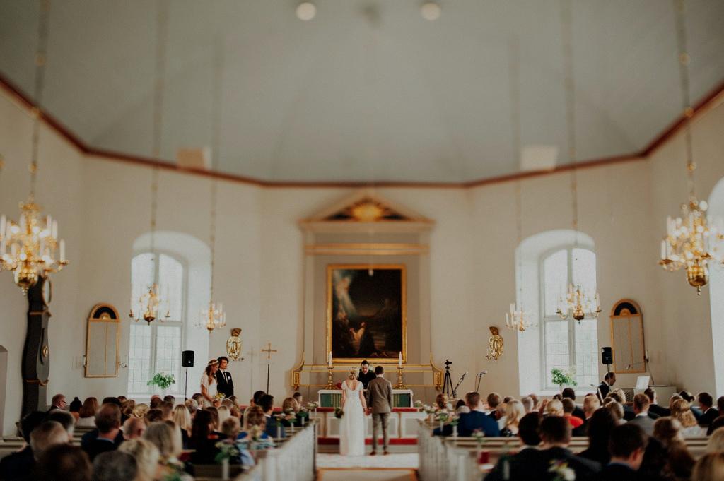 Elin och Daniels vigsel i Fryele kyrka utanför Värnamo
