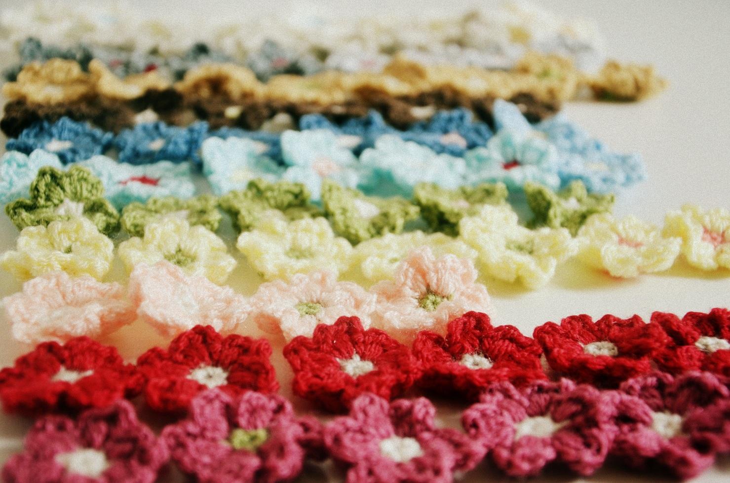 Crochet flower pattern puff | Etsy