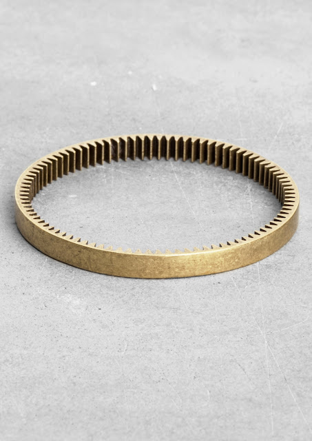 slim toothed bangle