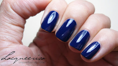 Tip Top Nail Chic In The Navy!
