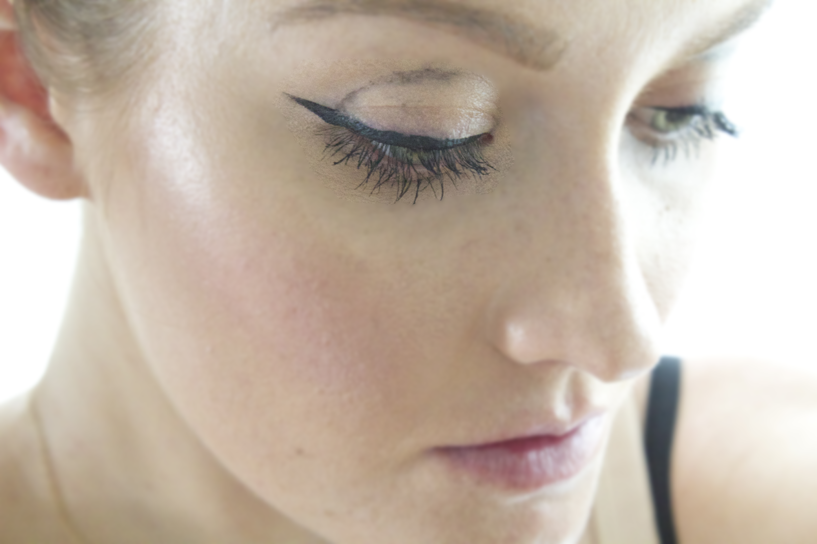 How to Prevent Eyeliner from Melting, Running, Smudging and ...