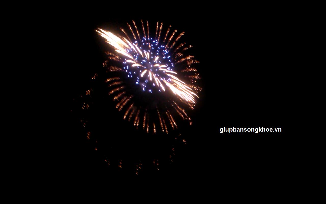 Đẹp lung linh màn bắn pháo hoa kỷ niệm giải phóng thủ đô hà nội 10/10/2014 tại Mỹ Đình