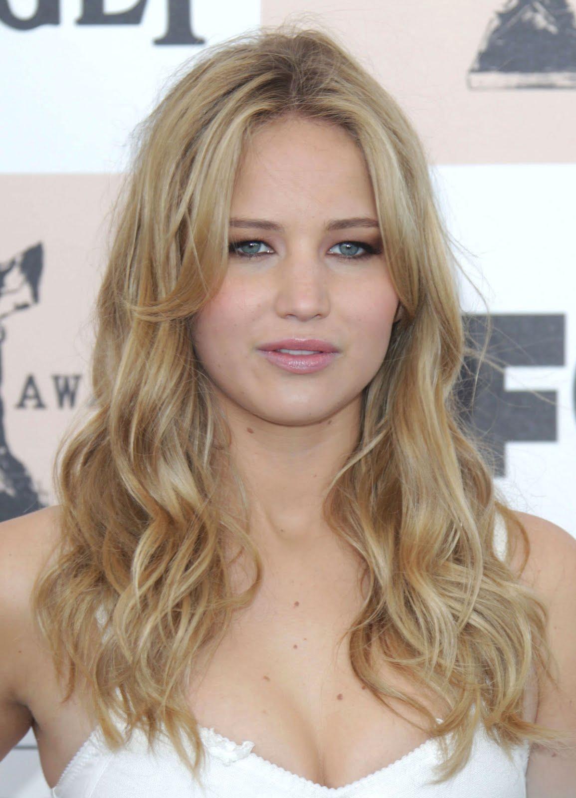 http://3.bp.blogspot.com/-ZupA-ODFtvo/T2J9GBOyzeI/AAAAAAAAAl4/LNIqAq47uXg/s1600/Jennifer%2BLawrence%2B2.jpg