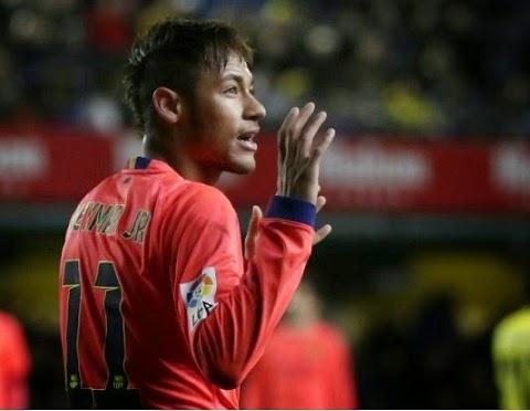 """Toda a dificuldade para avançar às quartas de final fez o Real Madrid virar piada na Catalunha. Após jornais espanhóis criticarem o """"caótico"""" time merengue, o atacante Neymar também entrou na onda em evento do qual participou nesta quarta-feira."""
