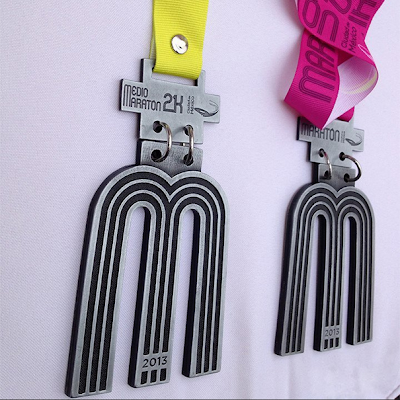 Medalla de Maratón y Medio Maratón. Letra M.