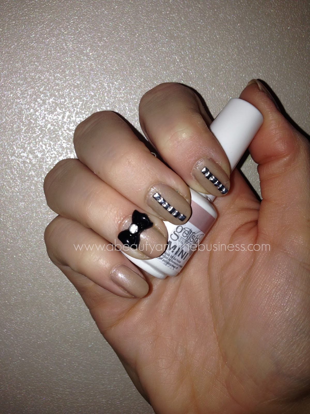 Gelish Skinny Vanilla Latte Swatch and Nail Art | A Beauty and The ...
