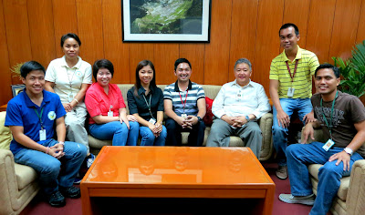 IRRI Filipino scientists' group meets with new communications and