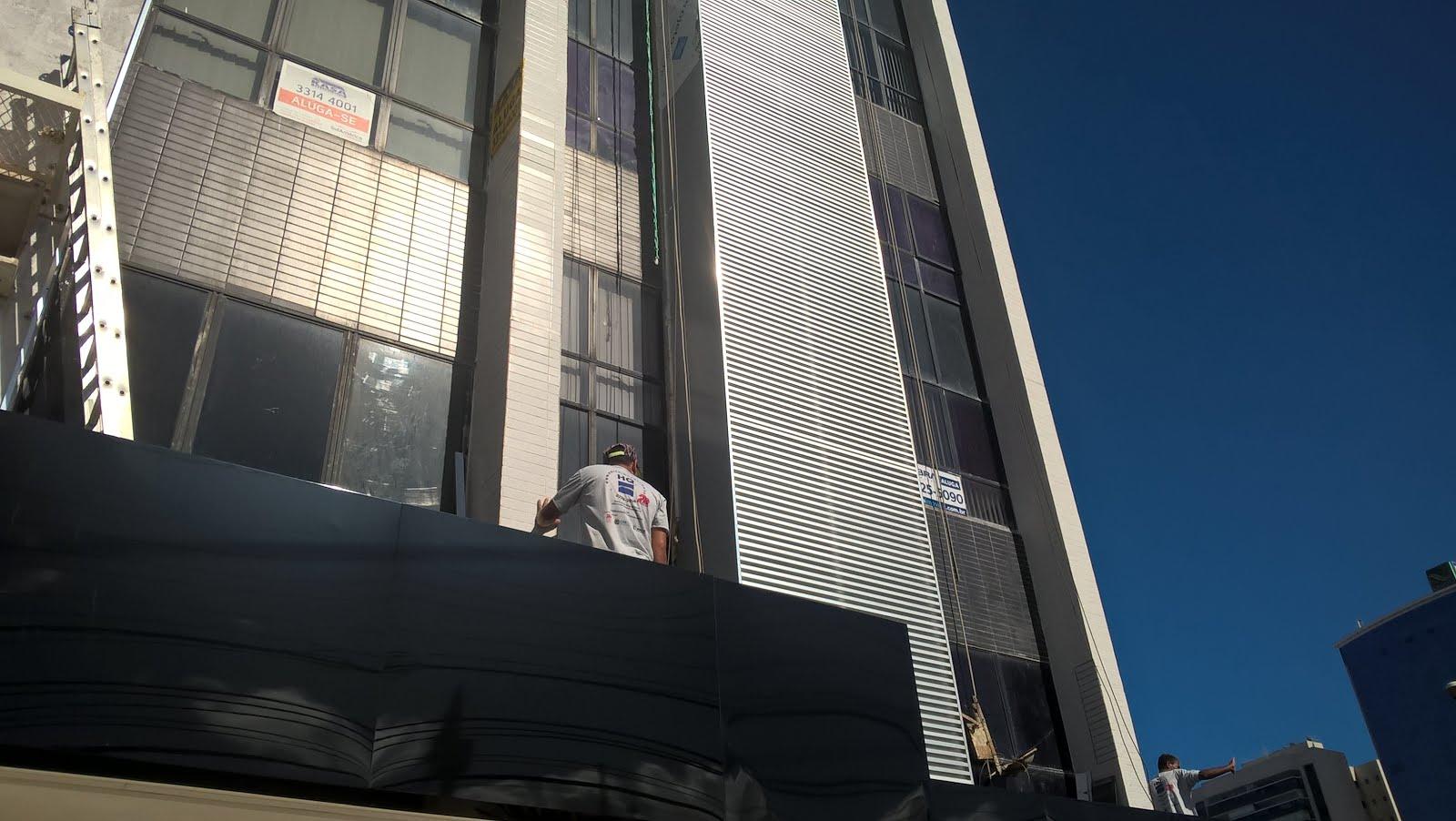 Revalorização de fachadas com Brises e Revestimento ACM.