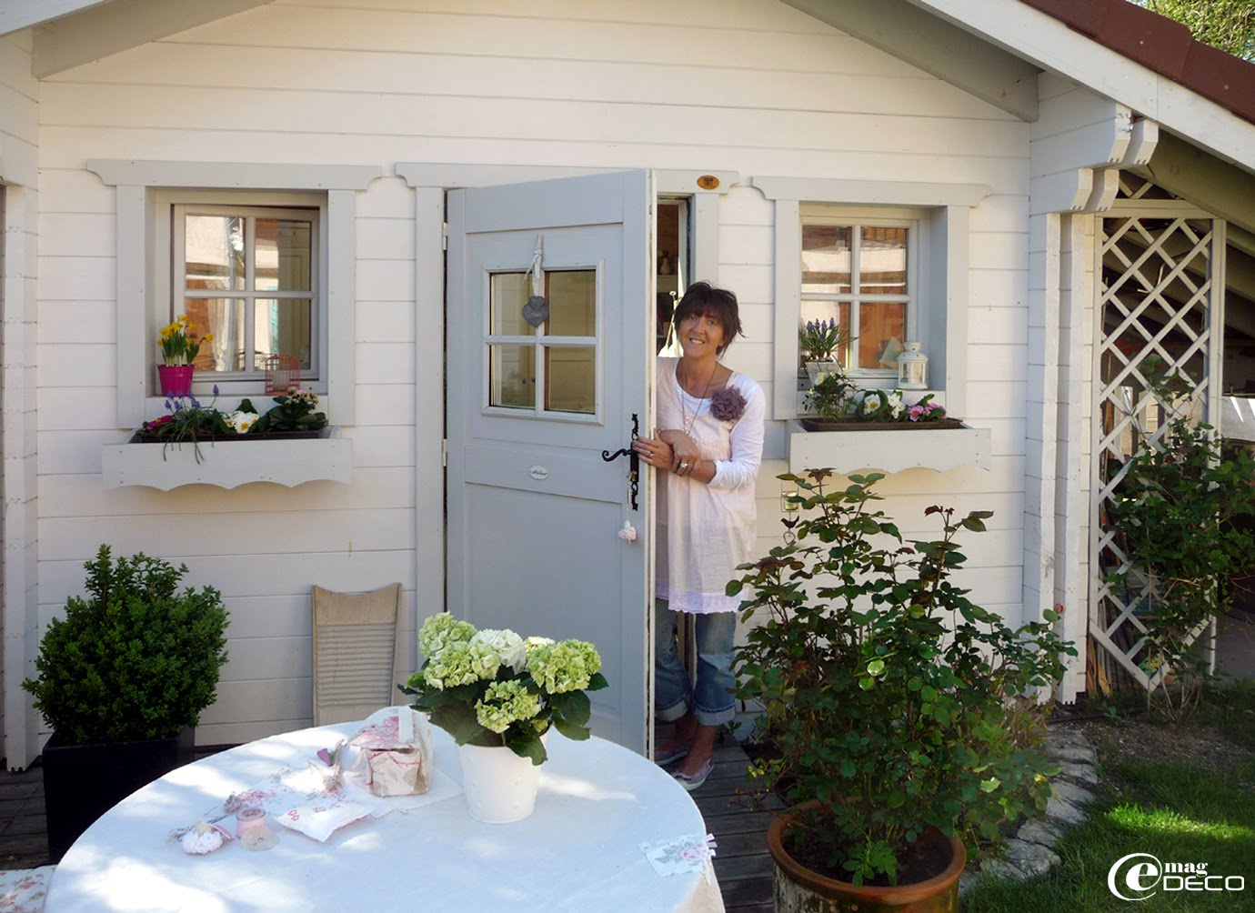 La blogueuse Plume de lin dans son chalet atelier