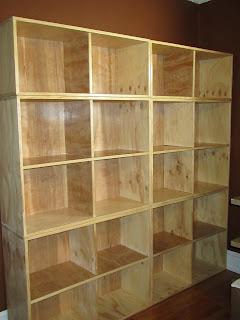 http://3.bp.blogspot.com/-ZvcT-yAn2xw/T08J7ID7bhI/AAAAAAAAAVw/y-SmeU4c2Cs/s320/Record+Shelves.JPG