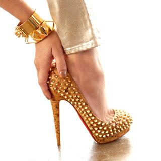 נעלי עקב ניטים