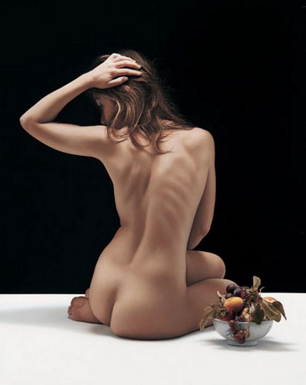 mujer-pintada-de-espalda