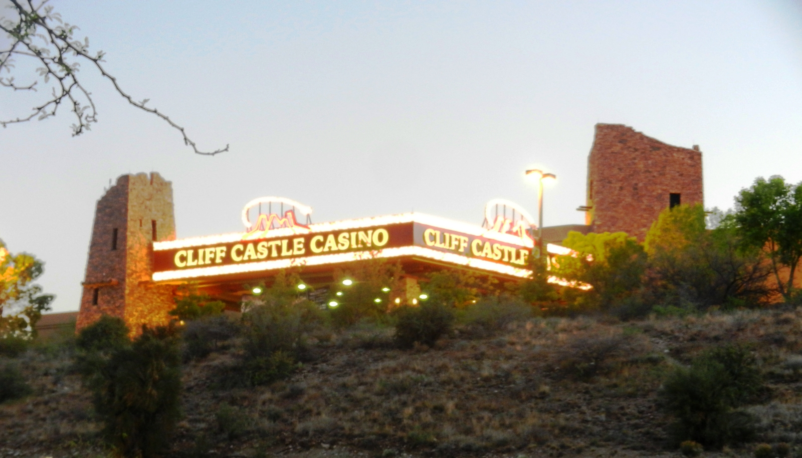 Cliff castle casino bowling number
