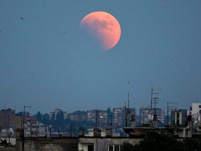 Gerhana Bulan Total 2011