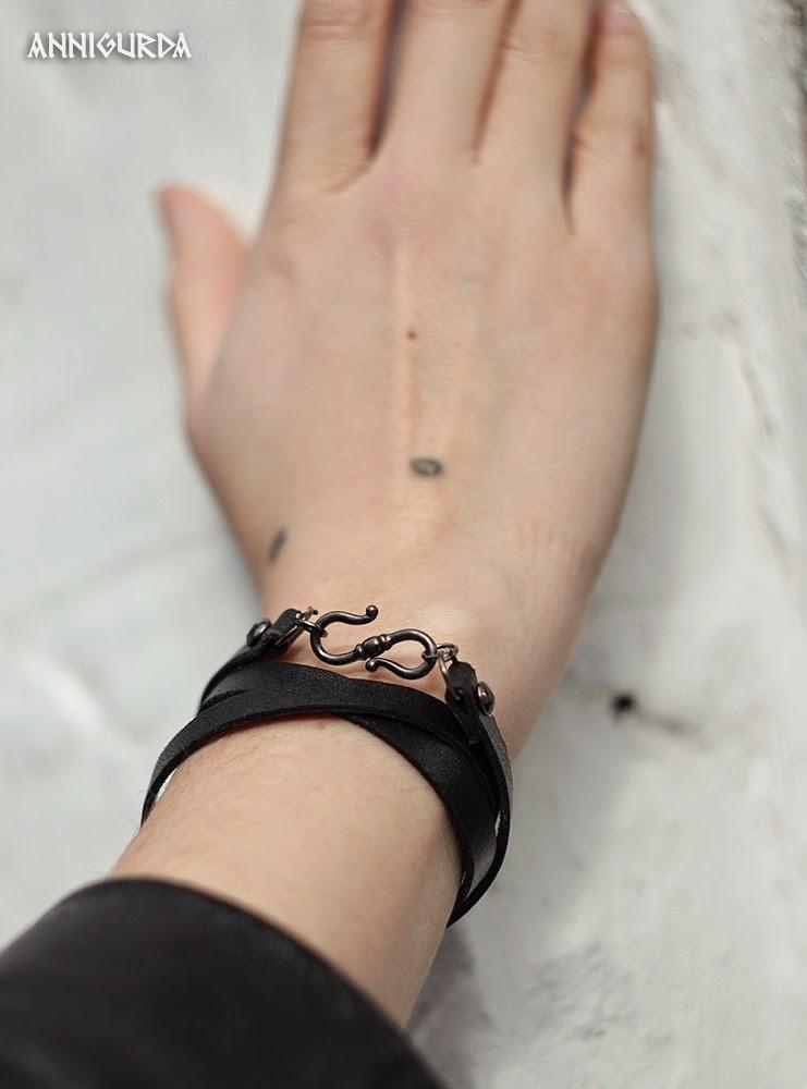 украшения, украшения на шею, кулон, браслет, кожа, металл, черный, рок