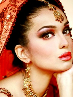 Pakistani Model & Actress Amina Haq Profile