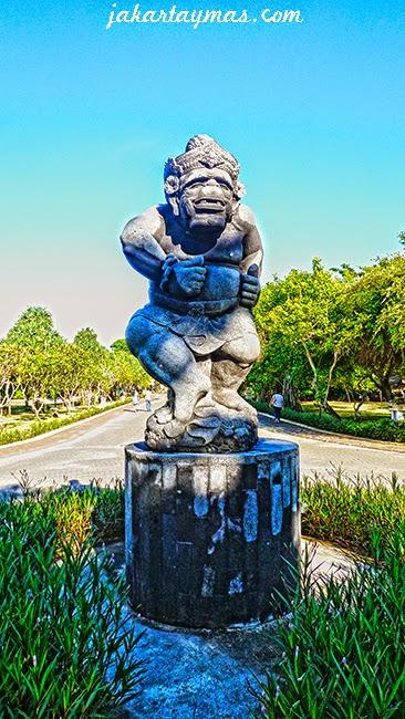 Hanuman, dios hindú en la playa de Nusa Dua en Bali