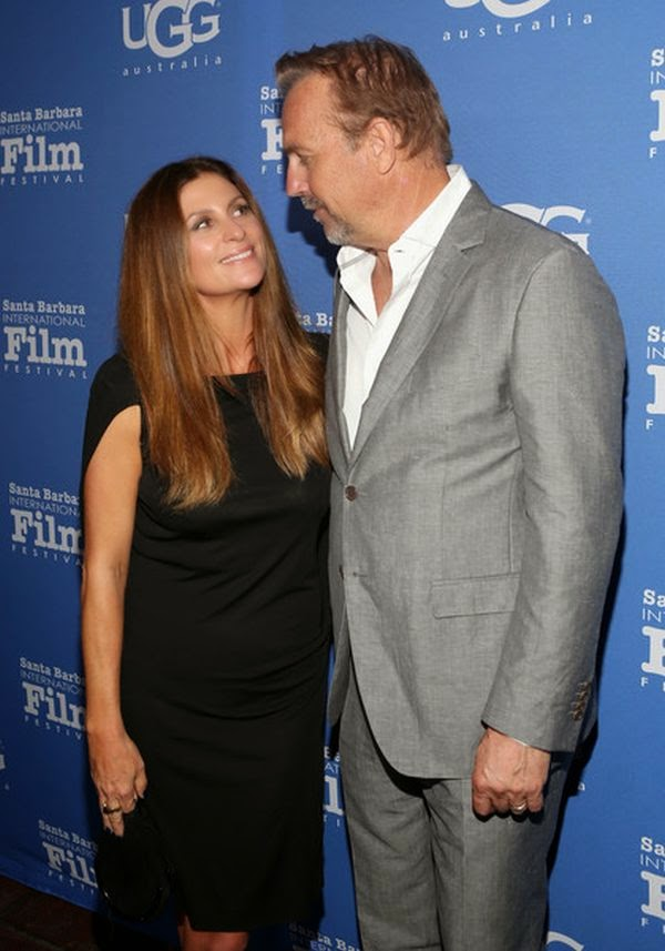 What's so funny? The 60-year-old was spotted smiling and posing to the photographer camera with Director, Niki Caro.