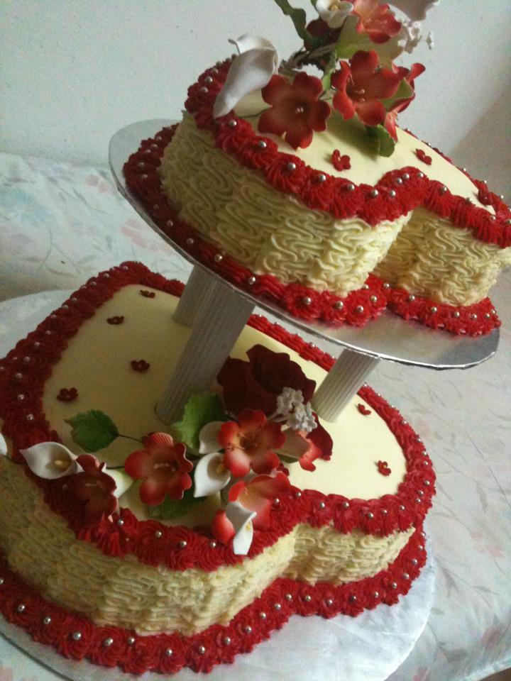 2 Tier Red White Wedding Cake