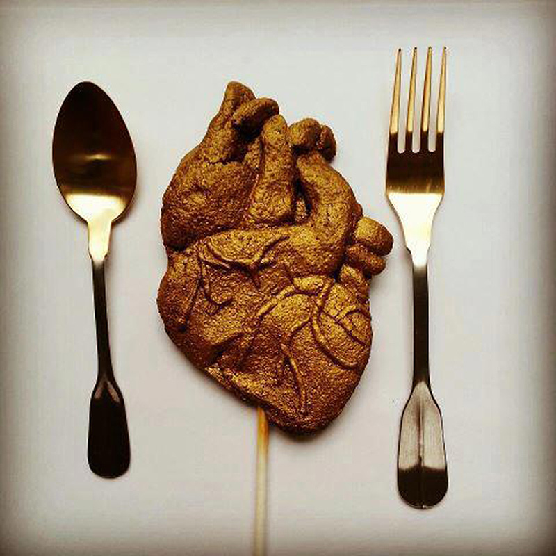 Neviepiecakes+Collins+-+anatomical+heart
