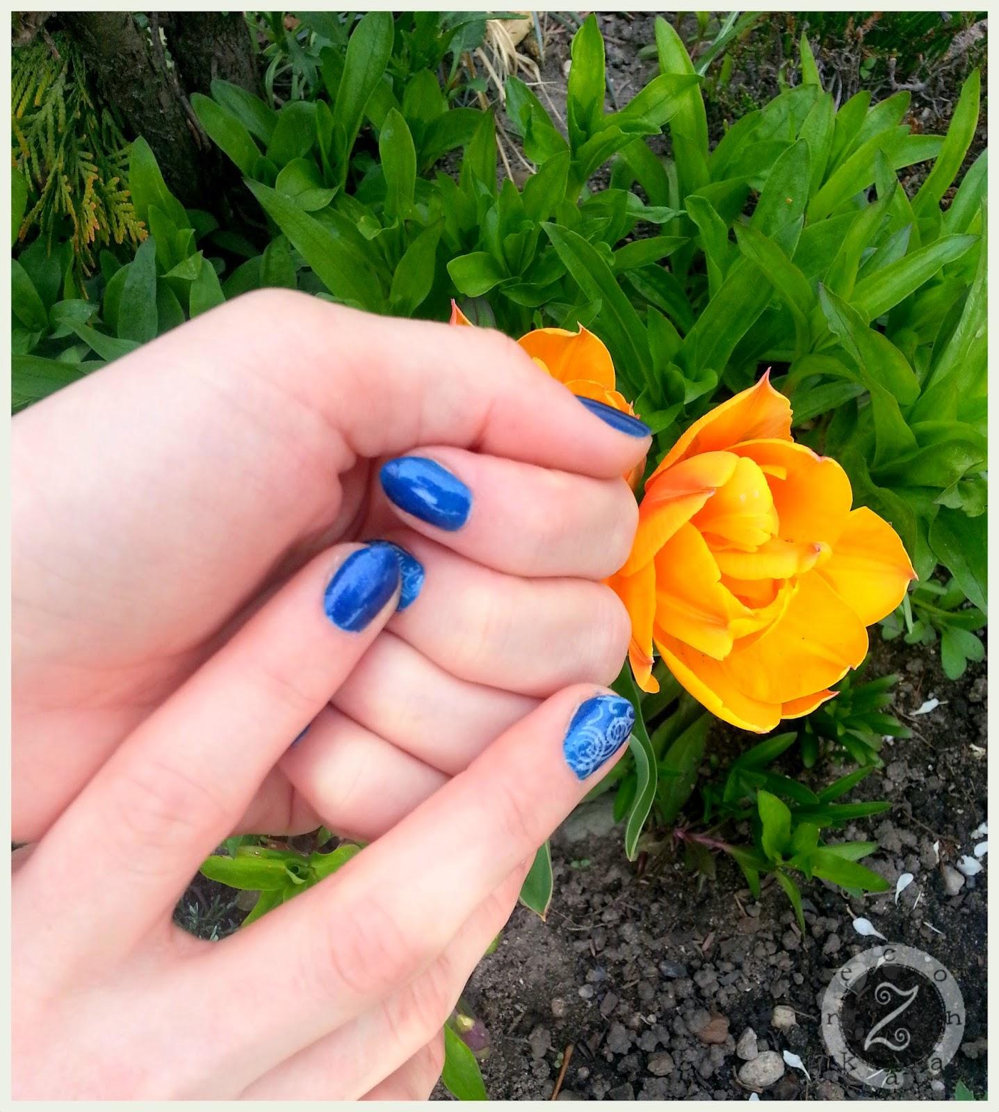 stemplowanie paznokci