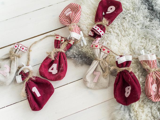 joulukalenteri lapsille, diy joulukalenteri, tee se itse joulukalenteri pussukat, diy julkalender, christmascalender, mitä lasten joulukalenteriin, pieniä juttuja joulukalenteriin