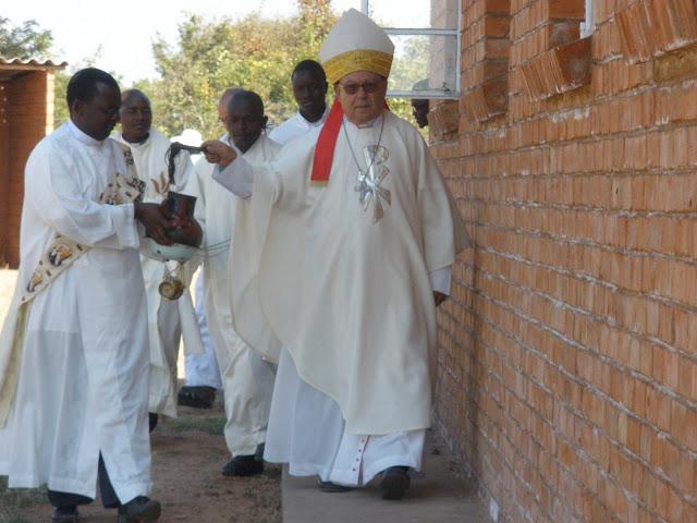 Obispo Ángel en visita pastoral
