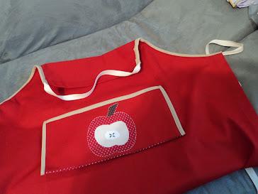 Avental-envelope de maçã (aberto)