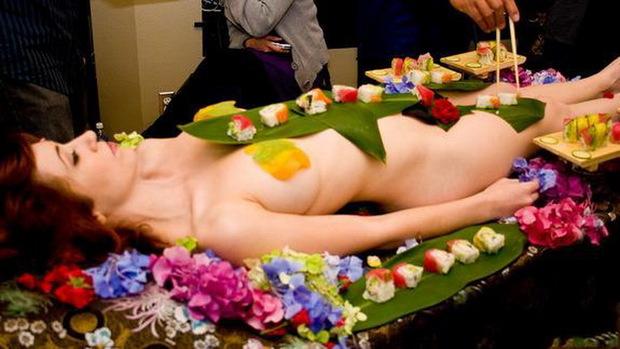 Sushi khỏa thân 18