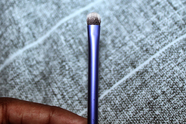 REAL TECHNIQUES  ACCENT BRUSH