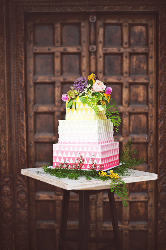 This neon geometric ombre cake is the perfect balance of trendy and sophisticated. | Sweet Tooth blog